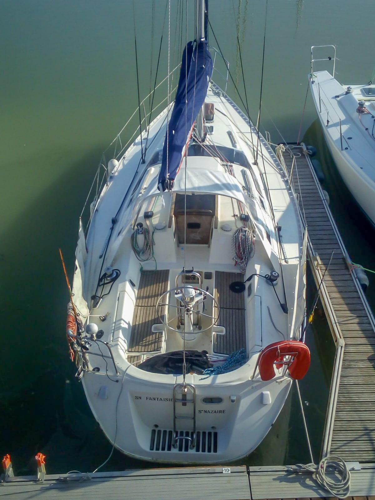 Oceanis 350-location-voilier-marseille - 0