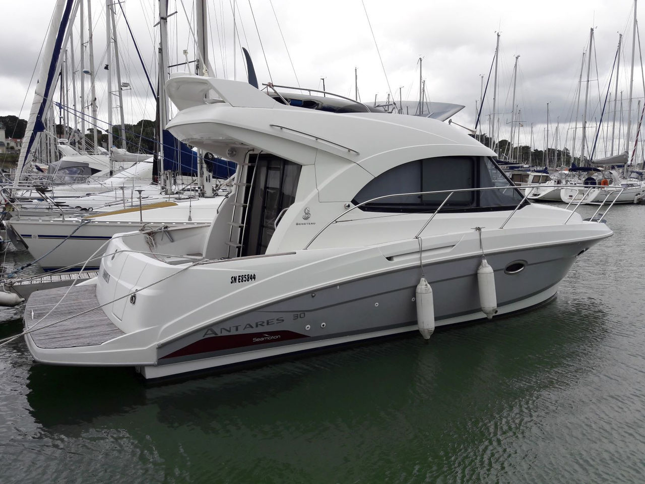 beneteau-antares-30-fly-huge-353959076c5bf8be